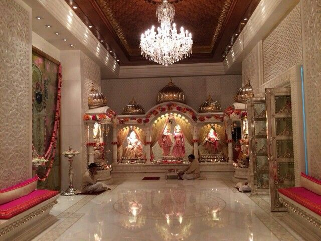 Ambani's house temple is decorated with gold and silver, covered with diamond ornaments, everyone's eyes will be stunned to see this workmanship.
