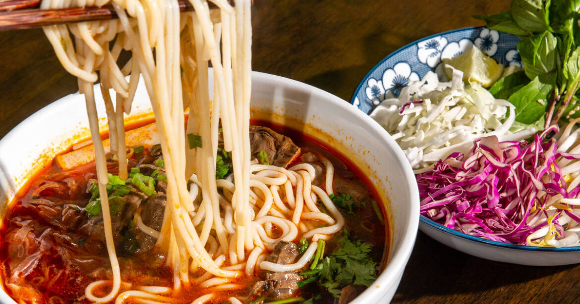 Top 4 Mouthwatering Appetizers to Start Your Vietnamese Cuisine Journey