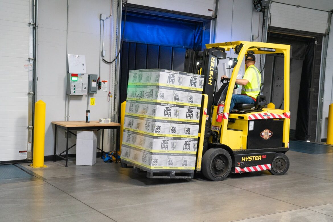 3 Ways your Moffett Forklift can ready for Summer