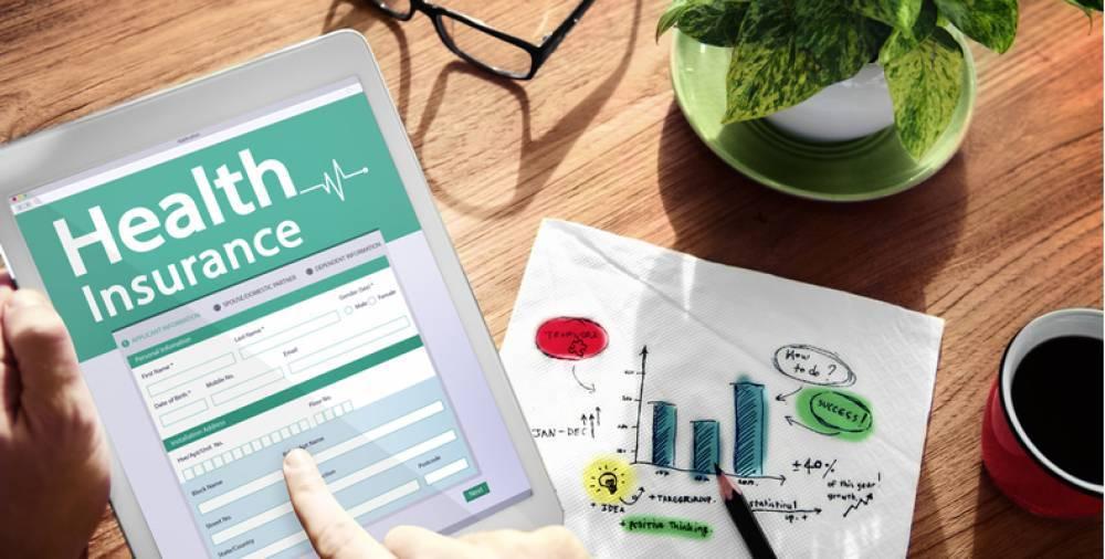 Cómo calcular la prima mensual de su seguro médico