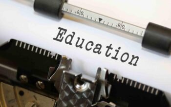 Five essential methods are implied for learning comparative education.