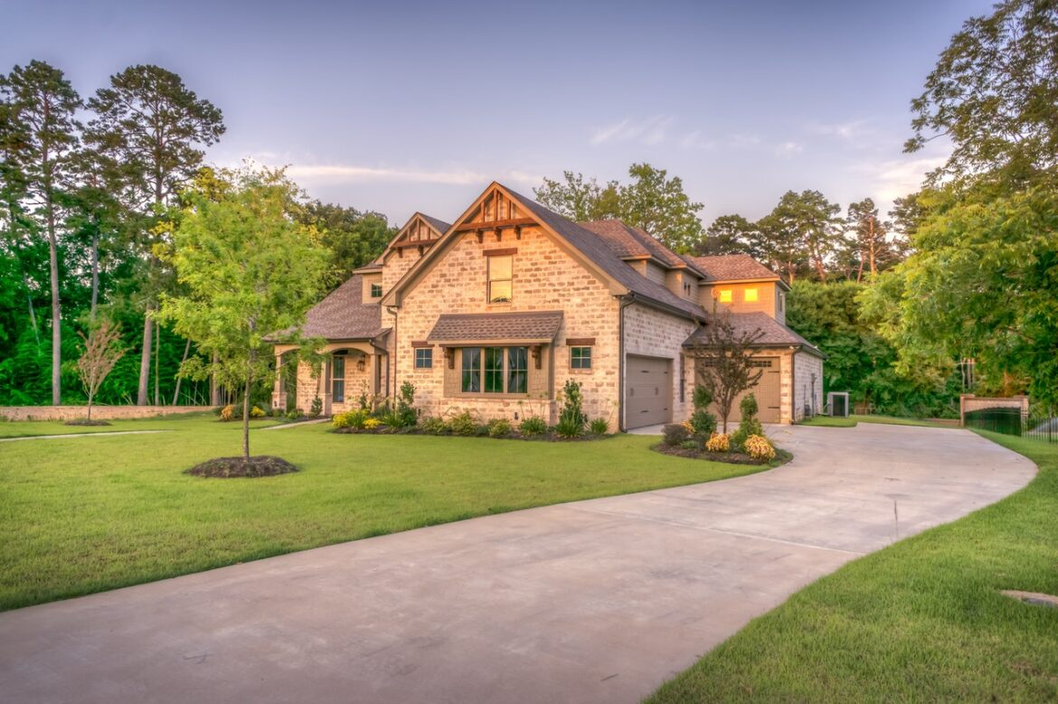 Tips by Experts to Hire Reliable Custom Home Builders