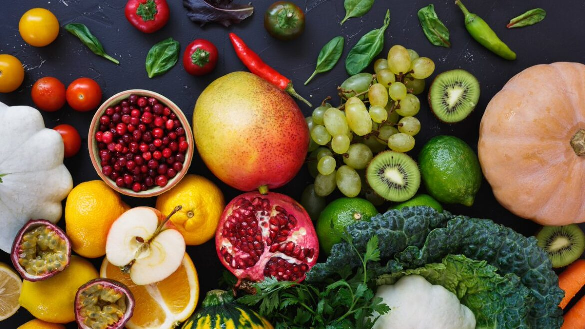 What is the Best Time to Buy Fruits and Vegetables?